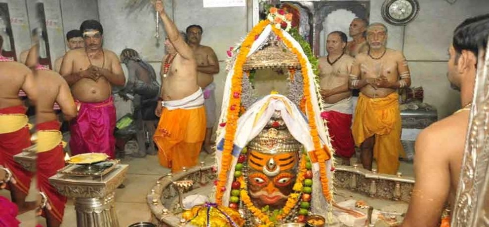 ujjain mahakal: only four day in a week Devotee can worship shivling