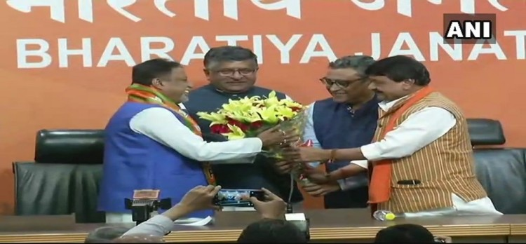 Former Trinamool Congress Mukul Roy joined bjp in presence of Ravi Shankar Prasad