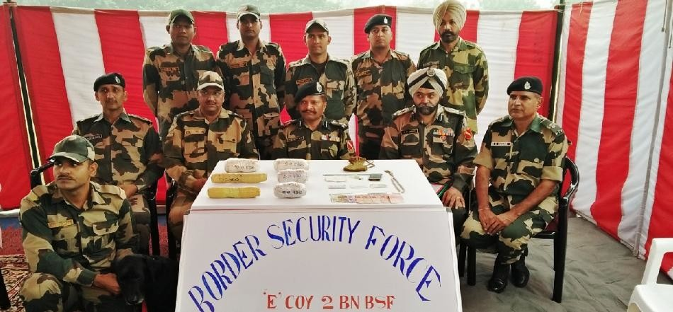 3 kg 70 gram heroin caught from india pakistan border