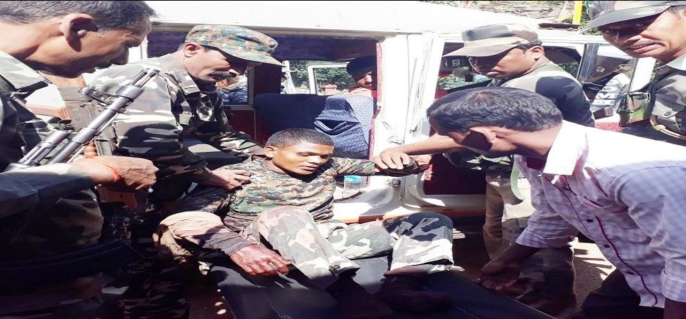 encounter with jjmp naxals in manika jungles of latehar jharkhand one naxalite killed two arrested