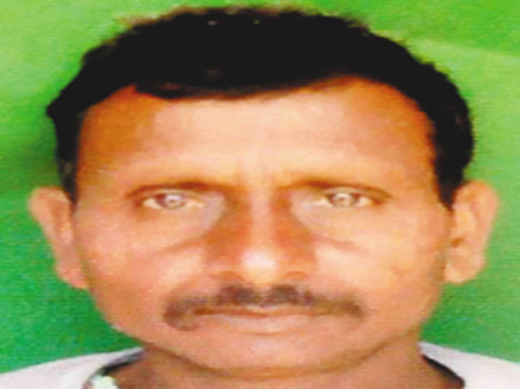 Croped cattle, looted farmer hanged