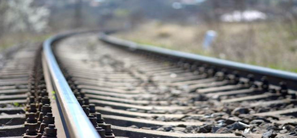 Odisha five people of a family run over by train committe suicide