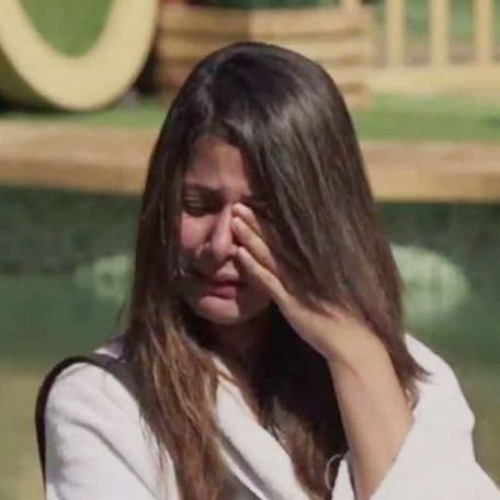 Bigg Boss Hina Khan father disturbed by daughters breaks] down in show