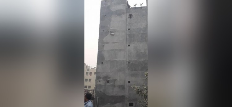 five-storeyed buliding built on the drain made to fall down in jasola