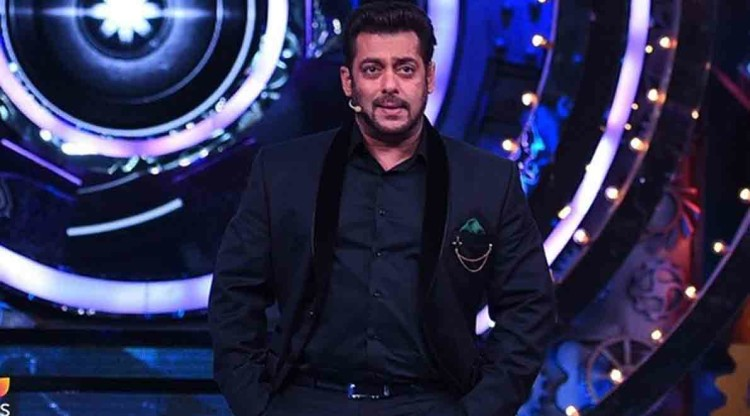 gehna said a wrong statement about bigg boss and salman khan