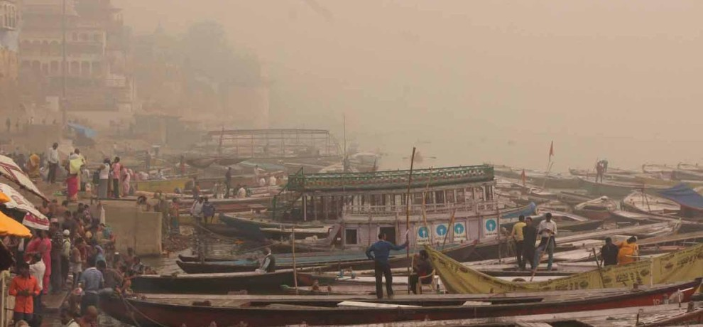 air pollution is in danger position at varanasi
