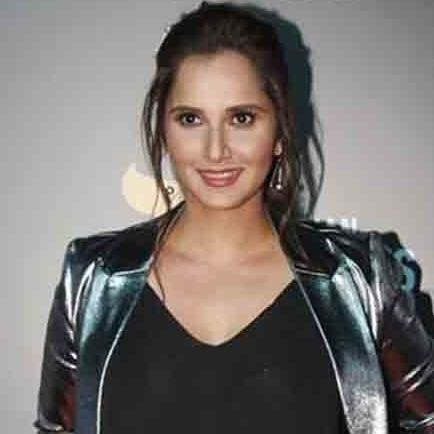 sania mirza having injury in knee will take decision on surgery soon
