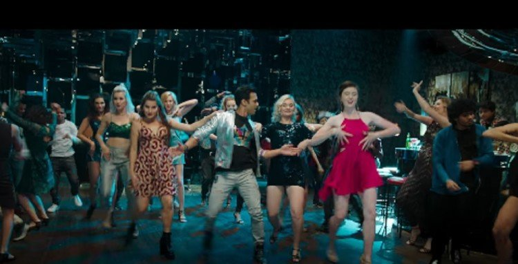 Pulkit Samrat dance like crazy with his gang in Fukrey Returns first song Mehbooba