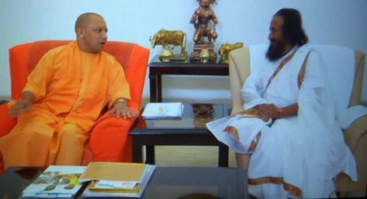 Sri Sri Ravi Shankar meets UP CM Yogi Adityanath in Lucknow