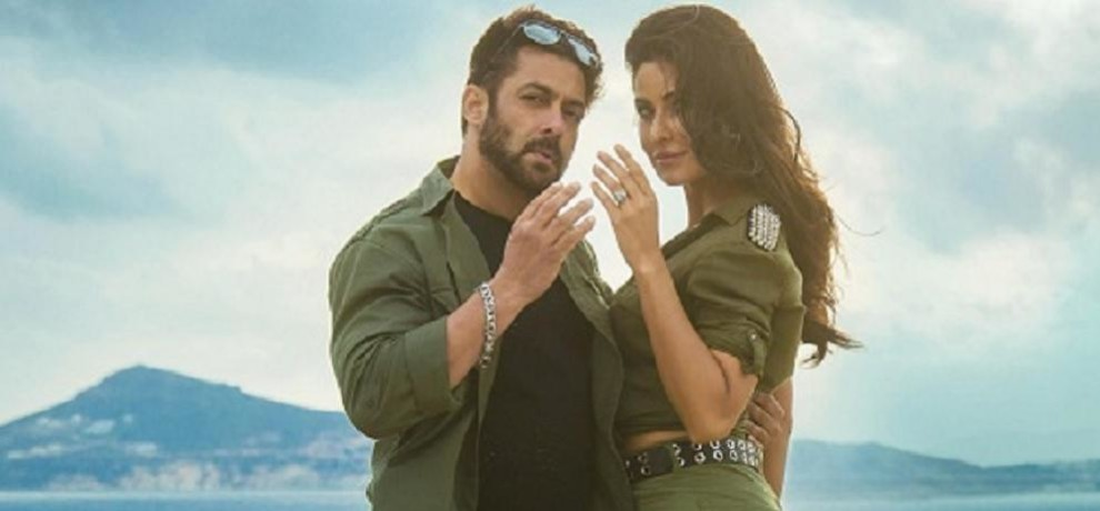Salman Khan and Katrina Kaif looks very HOT in their first song swag from Tiger Zinda Hai