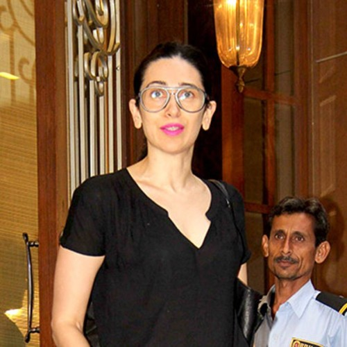 Karisma Kapoor Visited A Jewellery Store the reason is marriage