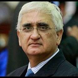 महाभियोग प्रस्ताव के विरोध में रहे सलमान खुर्शीद ने अब कहा- वेंकैया के फैसले को दी जानी चाहिए चुनौती