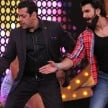 Ranveer Singh Gives Salman Khan Massage At Set Of Film Race 3
