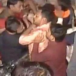 गुजरात: टिकट बंटवारे पर नहीं बनी कांग्रेस-हार्दिक की बात, आपस में भिड़े कार्यकर्ता