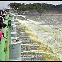 कावेरी जल विवाद मामले में तमिलनाडु को झटका, SC का सुनवाई से इनकार
