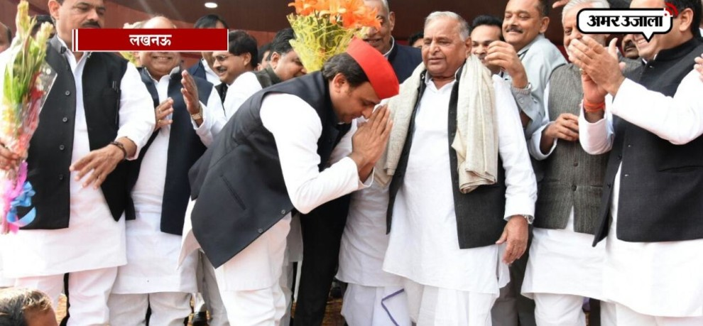 BIRTHDAY CELEBRATION OF MULAYAM SINGH YADAV WITH AKHILESH YADAV