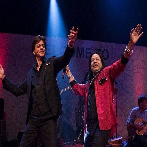 shahrukh khan danced like jungli in kailash kher concert in iffi