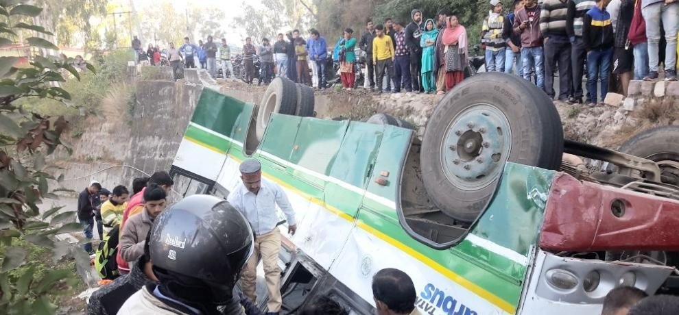 photos of nurpur hrtc bus accident