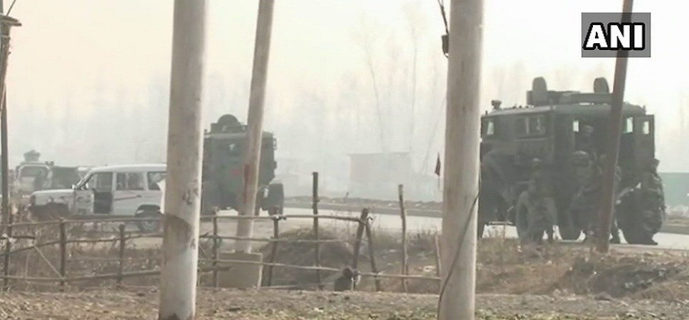 Terrorists attack Army convoy in Qazigund, heavy firing continues between terrorists and Army