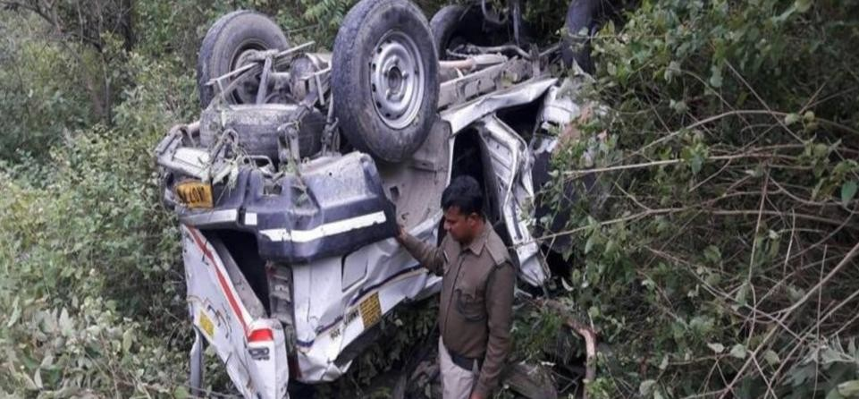 road accident in almora five people killed including four teachers
