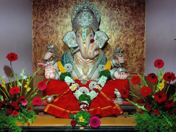 always keep these ganesh idol at your home according to vastu