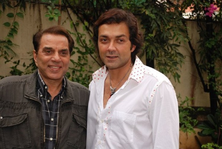 Dharmendra had gone in depression after unsuccessful in film industry of Bobby Deol