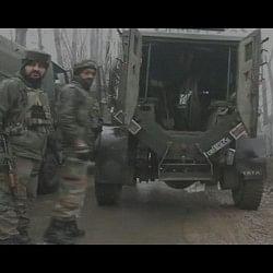 J&K: हंदवाड़ा में सुरक्षा बलों और आतंकियों में मुठभेड़ जारी, तीन आतंकी ढेर