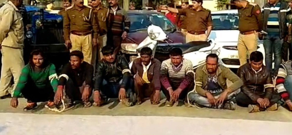 PILIBHIT POLICE ARRESTS VEHICLE THIEVES