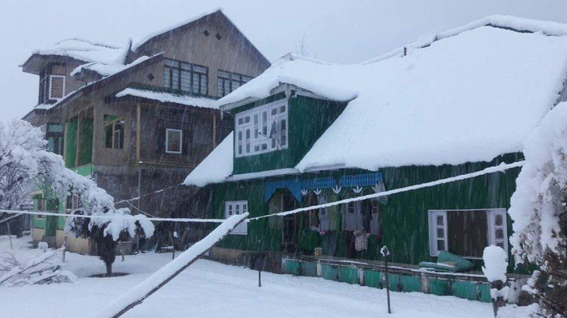 PHOTO GALLERY OF SNOWFALL IN KASHMIR VALLEY