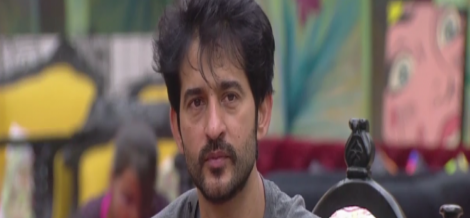 bigg boss 11 hiten tejwani eliminated because of 5 contestants