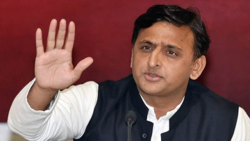 Akhilesh yadav discuss on ticket distribution