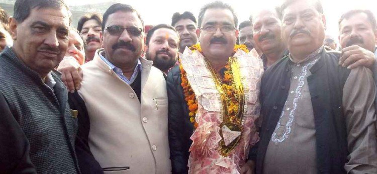 industry ministry mukesh thakur demands special package