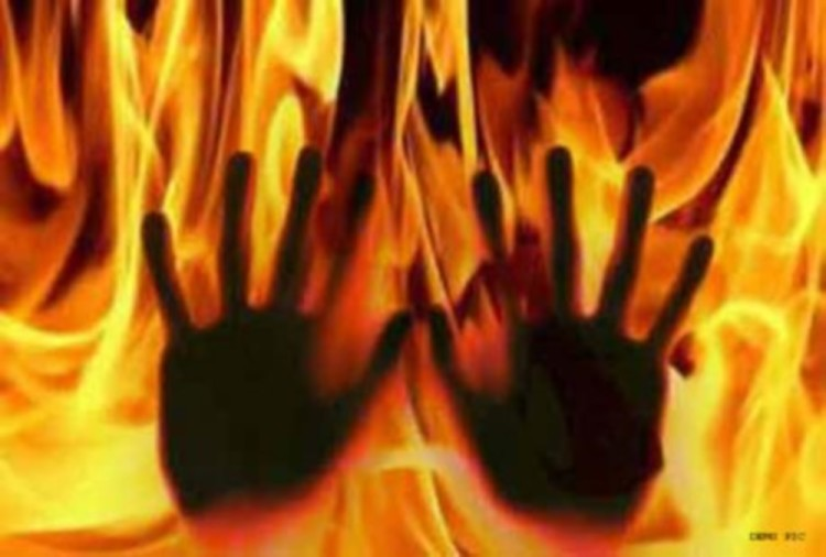 A West Bengal Woman burned to death by husband after she refused to involved in sex racket