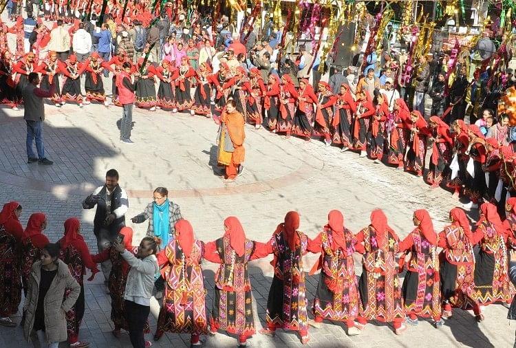 manali winter festival and kullu nati faor beti bachao beti padhao