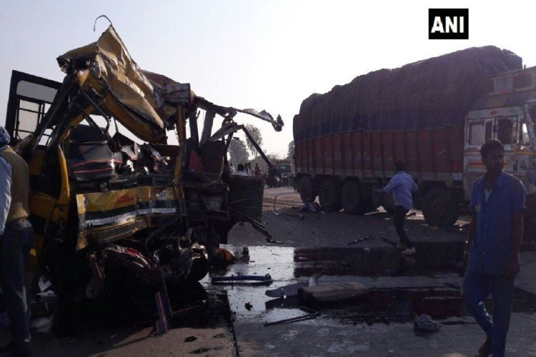 Madhya Pradesh: DPS bus collided with a truck five childern dead