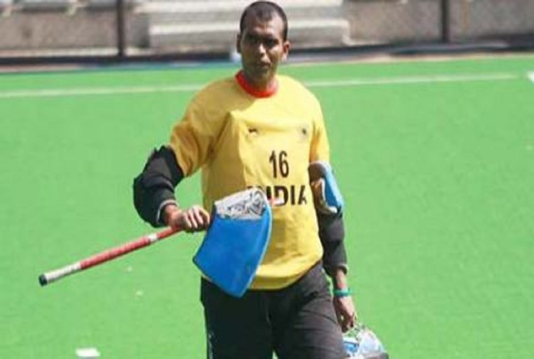 Hockey India banned for 15 days to goalkeeper PR Sreejesh and put on 12-month probation