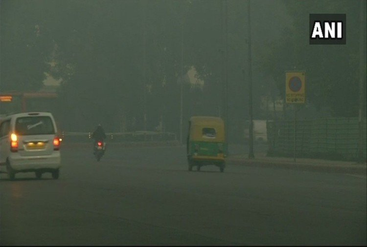 Delhi-ncr 22 trains cancelled 4 rescheduled due to fog minimum temperature at 5 degrees
