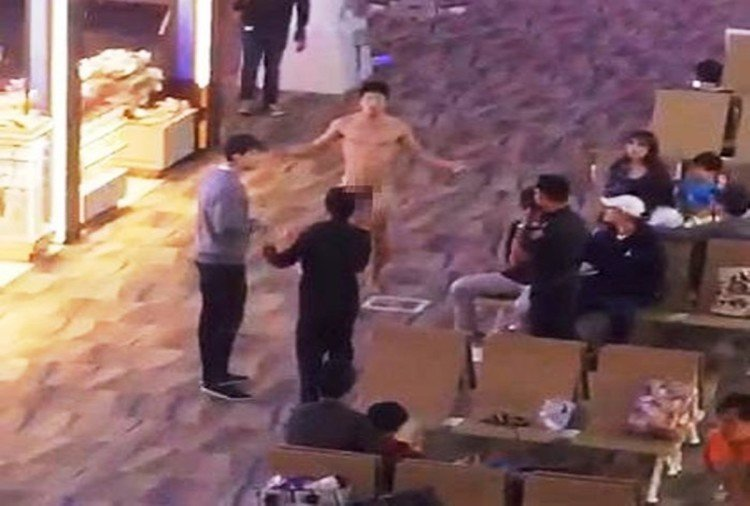 Tourist takes overdose of viagra and wanders naked through Phuket Internationa Airport