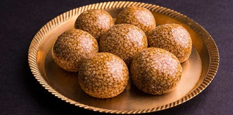 This lohri know the lip smacking easy recipe of til gud ladoo