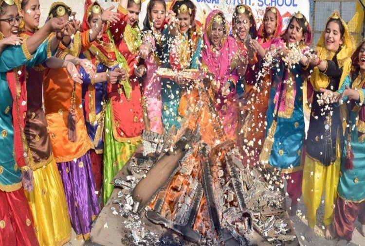 lohri 2018 know why gajak and peanut are offered to bonfire by people