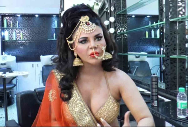 rakhi sawant wrote a disgusting caption on a photo users troll her