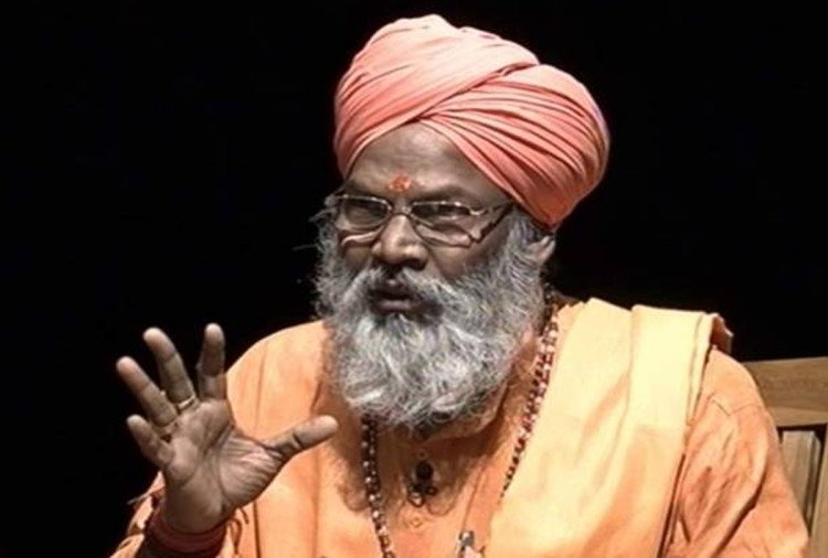 Sakshi Maharaj denied to eat cake
