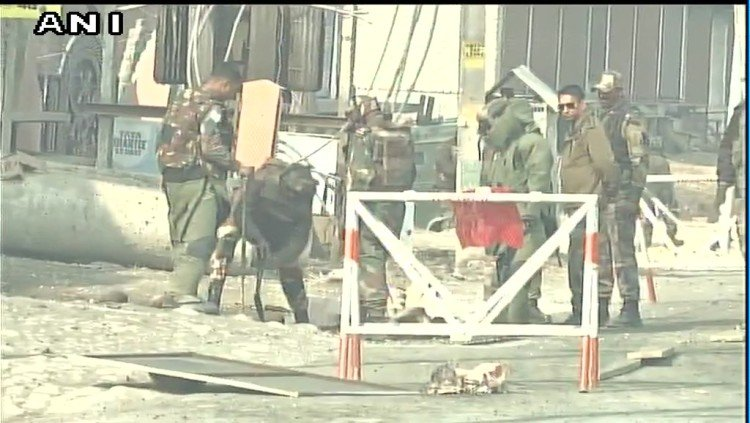 security forces recovered IED in Maloora on Srinagar