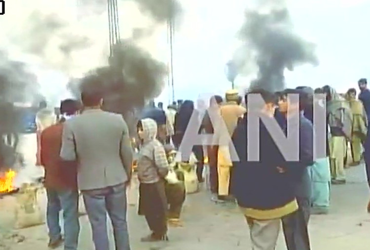 PoK people protest against Pakistan govt with reason damage of transformers