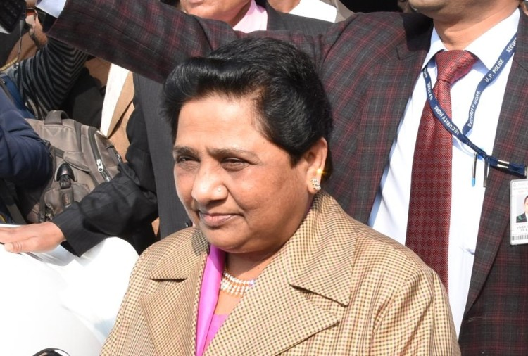 mayawati demanded an apology from rss chief mohan bhagwat on his statement on the indian army