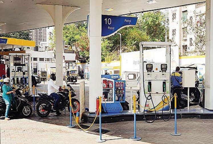 after seven months nine rupees increased petrol, diesel sees rate cut