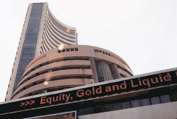 sensex, nifty rises on wednesday, rupee opens on 4 paise rise