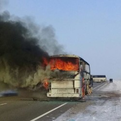 कजाकिस्तान में बस में लगी आग, 52 लोगों की मौत