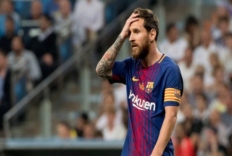 lionel messi fail to convert penalty into goal