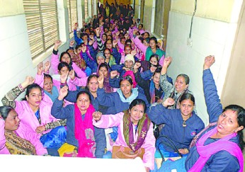 Asha workers protest for the wages
